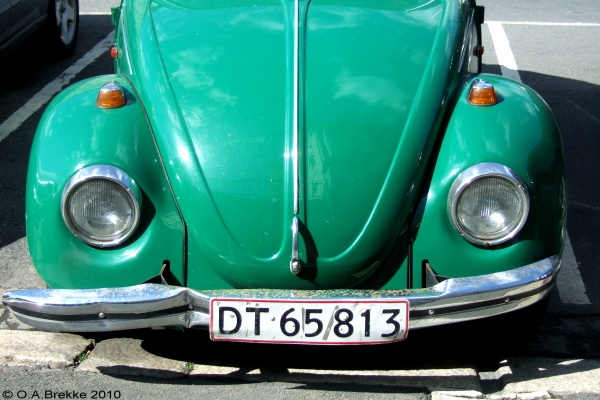 Denmark former private car double line rear plate series DT 65813.jpg (108 kB)