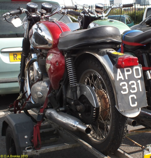 Great Britain former normal series motorcycle APO 331 C.jpg (165 kB)