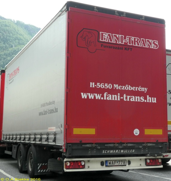 Hungary trailer series WAF-778.jpg (132 kB)