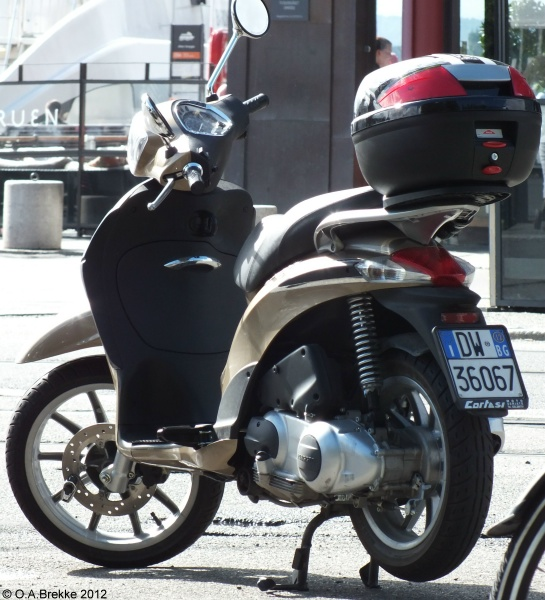 Italy motorcycle series DW 36067.jpg (145 kB)
