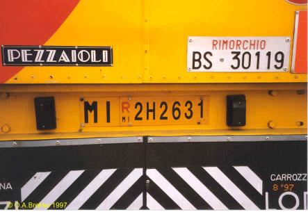 Italy former trailer repeater plate MI R 2H2631.jpg (25 kB)
