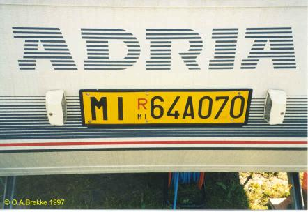 Italy former trailer repeater plate MI R 64A070.jpg (27 kB)