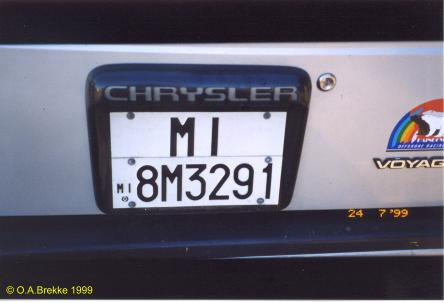 Italy former normal series rear plate MI 8M3291.jpg (17 kB)