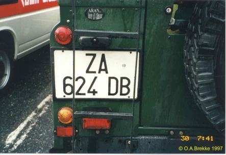 Italy normal series former style rear plate ZA 624 DB.jpg (24 kB)