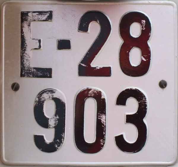 Norway antique vehicle series close-up E-28903.jpg (107 kB)