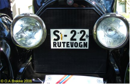Norway antique vehicle series public service vehicle S-22.jpg (32 kB)