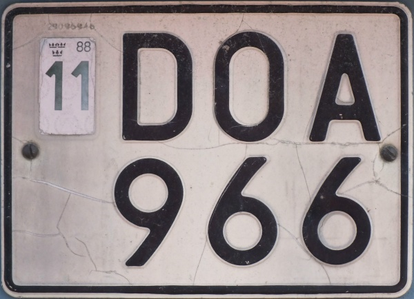 Sweden normal series former style close-up DOA 966.jpg (97 kB)